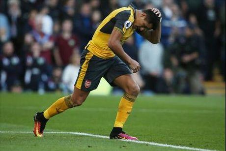 "Nhung diem nhan sau tran thang ""nang mui"" cua Arsenal truoc Burnley - Anh 2"