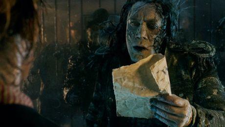 Johnny Depp xuat hien chop nhoang trong teaser 'Cuop bien vung Caribe 5' - Anh 2