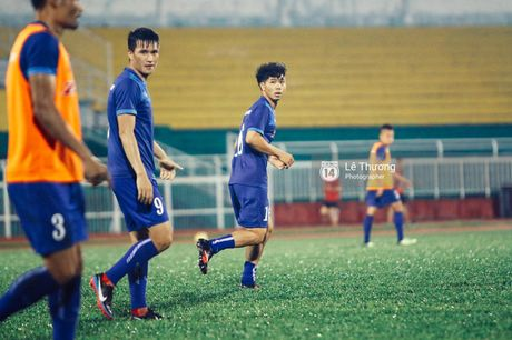 Cong Phuong khoe mai toc moi sanh dieu tren san tap - Anh 4