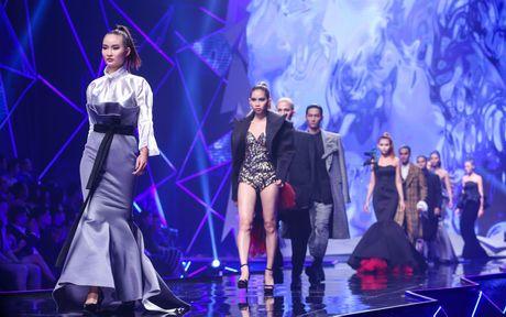 Man catwalk bi che tham hoa o chung ket Next Top Model - Anh 1