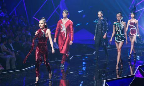 Man catwalk bi che tham hoa o chung ket Next Top Model - Anh 3