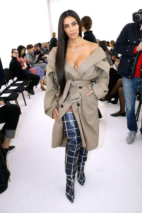 Kim Kardashian bi cuop uy hiep bang sung - Anh 1