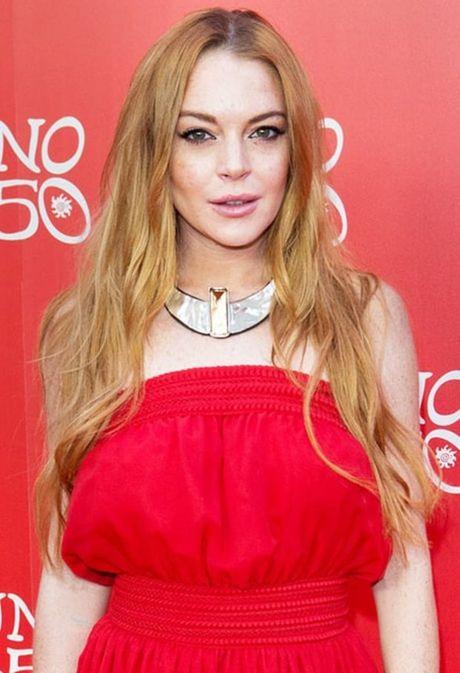 Lindsay Lohan bi mat nua ngon tay vi tai nan - Anh 1
