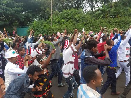 Hien truong vu giam dap kinh hoang o Ethiopia lam 52 nguoi thiet mang - Anh 1