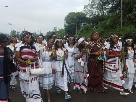 Hien truong vu giam dap kinh hoang o Ethiopia lam 52 nguoi thiet mang - Anh 3