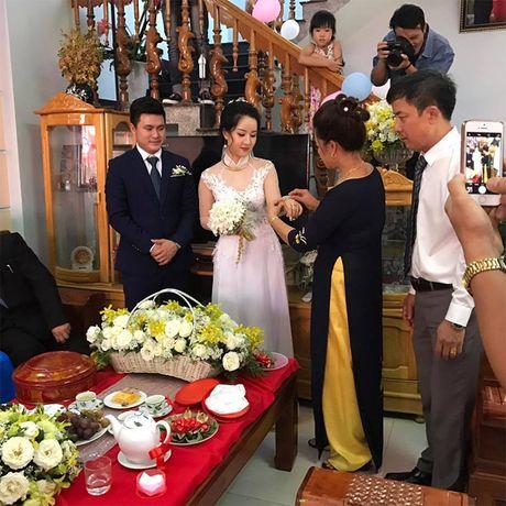 Hoa khoi Thu Ha goi cam tung cm khi lam co dau - Anh 23