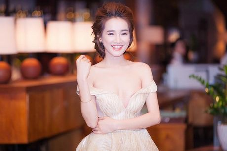 Nha Phuong thoai mai, tu tin khoe nguc dep sau 7 nam - Anh 16