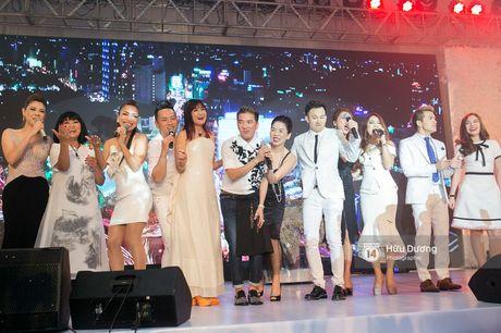 Hot tren Face 4.10: Ca chet Ho Tay dong thung xop lam gi, tram tro sinh nhat 'trang toat' cua Mr.Dam - Anh 6