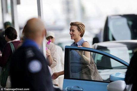 Scarlett Johansson deo do choi tinh duc tren dau - Anh 4