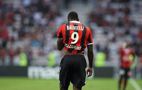 Balotelli: Klopp khong biet toi la ai - Anh 2