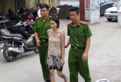Me cua hai tre bi bo roi o Hai Phong: 'Cu gap dan ong la de' - Anh 2