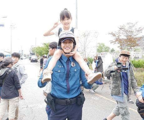Sao Han 4/10: Bo Gum 'pha dam' Yoo Jung, Lee Jun Ki ha hoc gia vo ngu - Anh 7