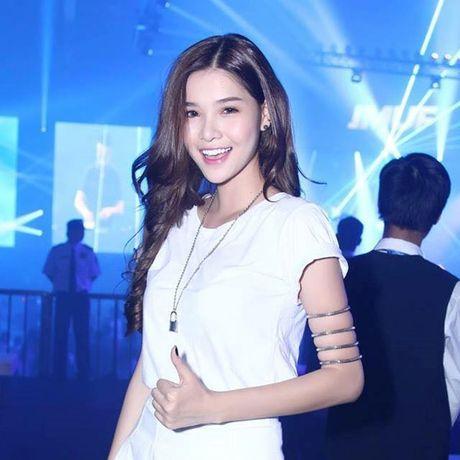 Ky Han bat ngo bi dan mang 'nem da' vi de mat moc - Anh 8