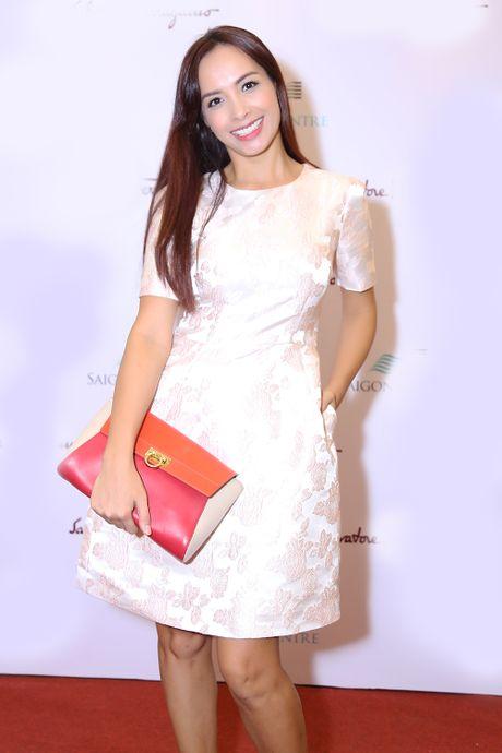 Huong Giang Idol choi troi khi quan khan lam ao di su kien - Anh 4