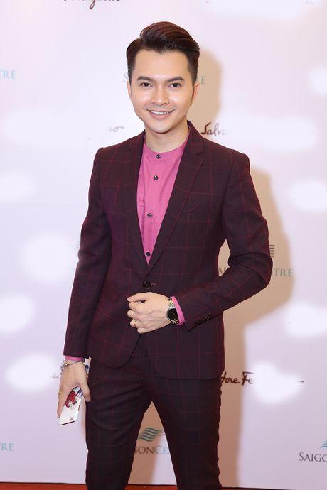 Huong Giang Idol choi troi khi quan khan lam ao di su kien - Anh 6