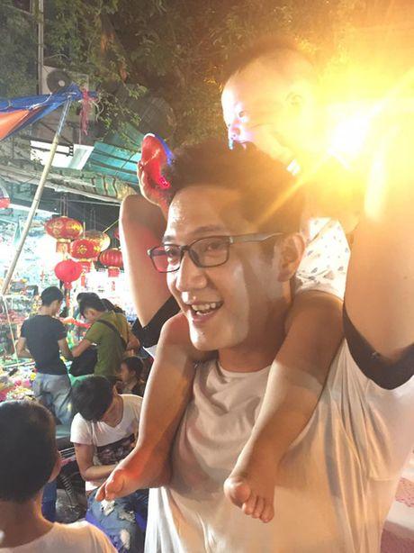 He lo ve cuoc song it nam dien vien Chi Nhan sau nhung lum xum tinh ai - Anh 2