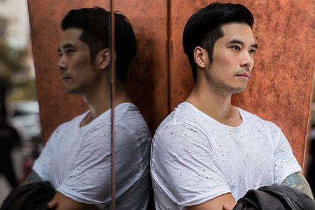 Soai ca Thien Nguyen ca tinh voi trang phuc den - Anh 12