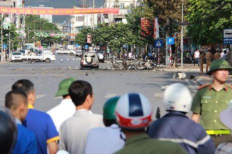 Vu no taxi o Quang Ninh: Hanh khach tu sat, de lai thu tuyet menh - Anh 1