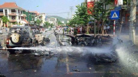 Vu no taxi o Quang Ninh: He lo nguyen nhan tu sat - Anh 1