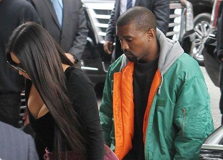 Kim Kardashian roi Phap cung 20 ve si sau khi bi cuop 11 trieu USD - Anh 1