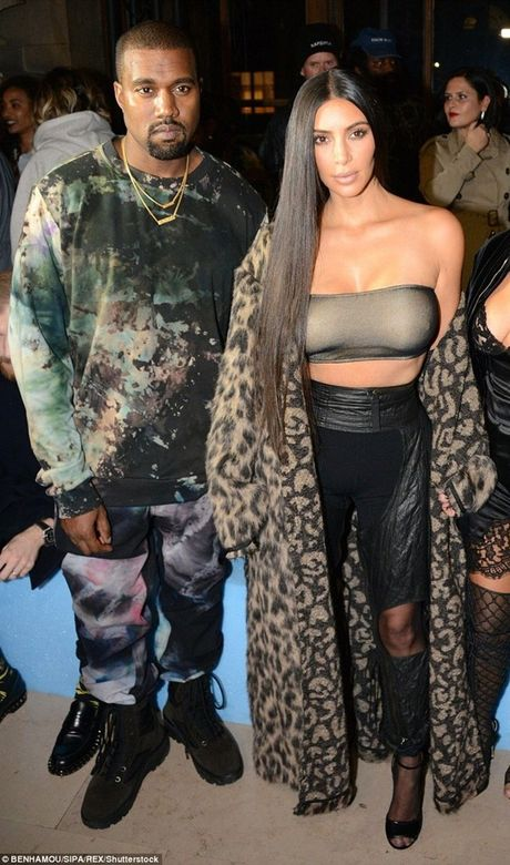 Kim Kardashian roi Phap cung 20 ve si sau khi bi cuop 11 trieu USD - Anh 3