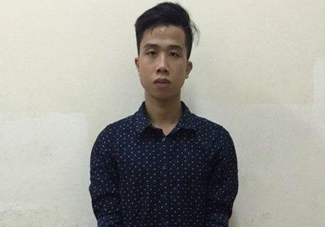 Gai mai dam thue nam sinh chup anh khoa than cau khach - Anh 1