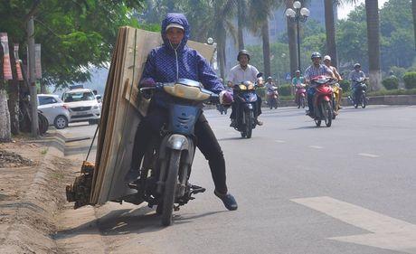 'Hung than' xe ba banh van bua vay Ha Noi - Anh 3