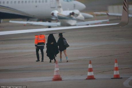 Day la cach giup Kim Kardashian thoat chet trong vu cuop kinh hoang - Anh 3