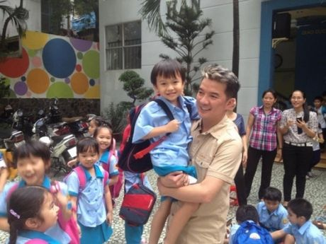 Dam Vinh Hung lan dau 'tran tinh' ve tin don co con voi fan nu o My - Anh 3
