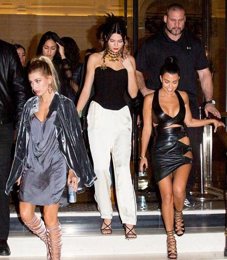 Bi cuop dien thoai, Kim Kardashian so lo tin nhan 'nhay cam' voi Kanye West? - Anh 6