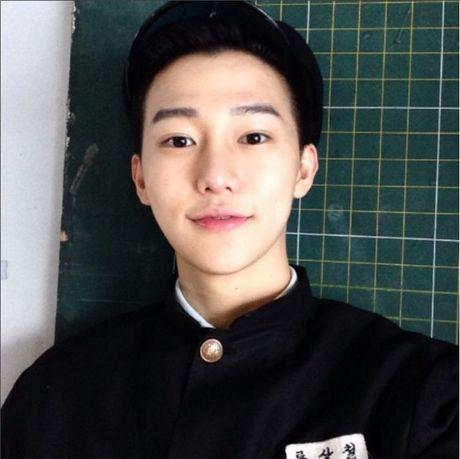 Hotboy hang khong Han Quoc khien anh chi em 'mat an mat ngu' - Anh 13