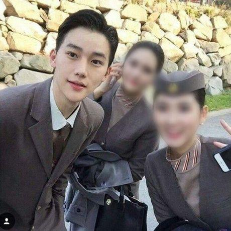 Hotboy hang khong Han Quoc khien anh chi em 'mat an mat ngu' - Anh 2