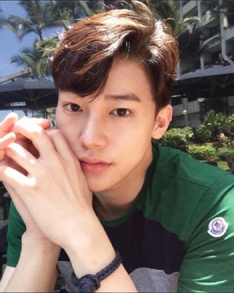 Hotboy hang khong Han Quoc khien anh chi em 'mat an mat ngu' - Anh 6