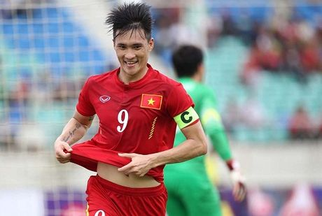 """DT Viet Nam: Hay trao """"an kiem"""" cho Huy Toan va Minh Tuan - Anh 1"""