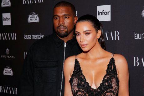 Kim Kardashian tro thanh muc tieu trom cuop vi mang xa hoi - Anh 3