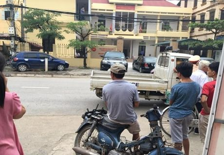 Tin moi Vien truong VKSND Quoc Oai bi dam trong thuong - Anh 1
