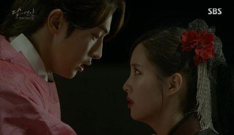 Khan gia sot ruot vi IU mai van chua yeu Lee Jun Ki - Anh 9