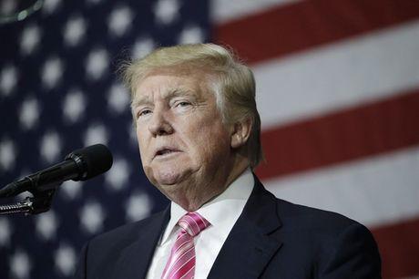 Chua xong 'an tron thue', Trump lai bi chi trich khi lo cuu chien binh co 'van de tam than' - Anh 1