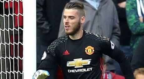 Goc Man Utd: 2 thang troi qua, Mourinho da lam duoc gi? - Anh 2