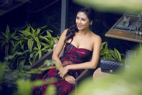 Nguyen Loan khoe ve sexy truoc ngay sang My thi hoa hau - Anh 8