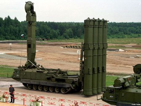 Khiep so ten lua S-300 Nga trien khai toi Syria - Anh 9