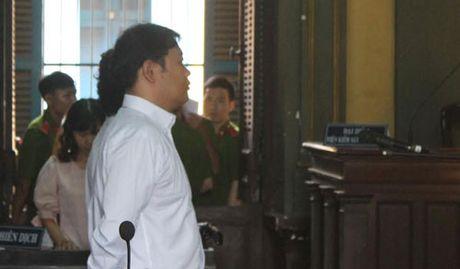 Giam an cho mot nguoi Han Quoc bat nguoi trai phep - Anh 1