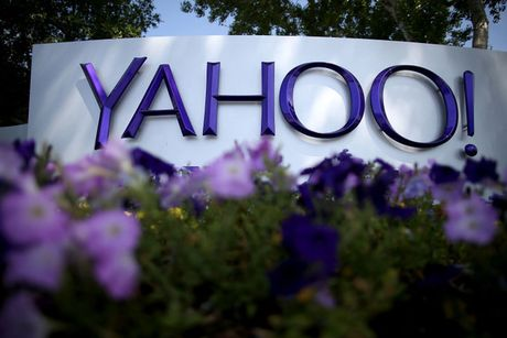 Yahoo da ban dung khach hang cho NSA va FBI? - Anh 1