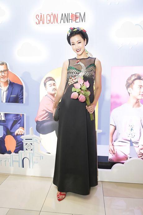 Dan top model do ve duyen dang voi ao dai - Anh 3