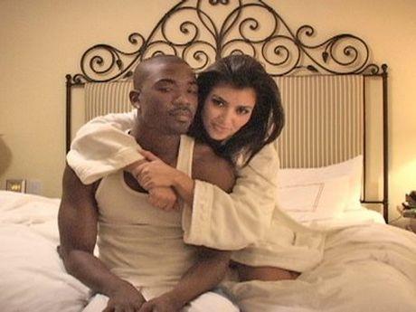 Kim Kardashian duoc va mat gi khi bi cuop 242 ti dong - Anh 1