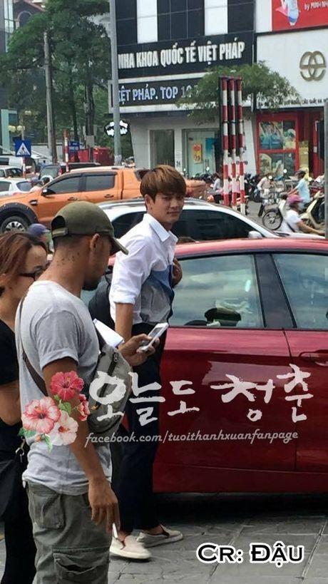 """Kang Tae Oh om cham Nha Phuong truoc mat """"ke thu ba"""" Manh Truong - Anh 10"""