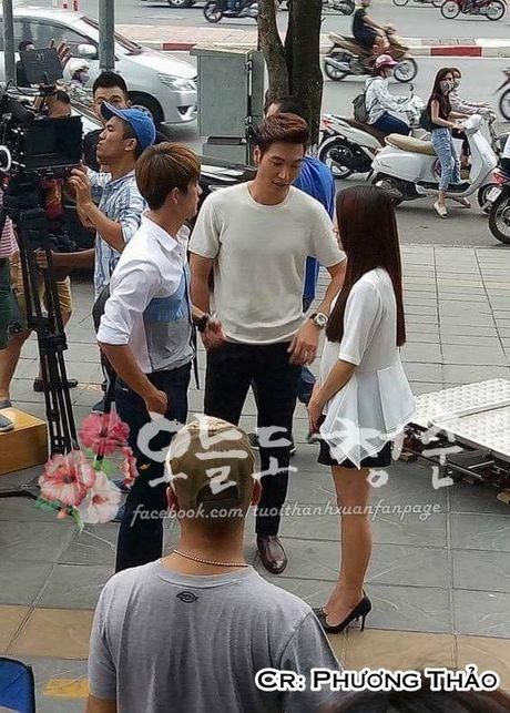 """Kang Tae Oh om cham Nha Phuong truoc mat """"ke thu ba"""" Manh Truong - Anh 3"""