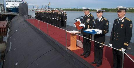 So sánh tàu ngầm hạt nhân 'Yasen' của Nga với tàu ngầm 'Virginia' của Mỹ
