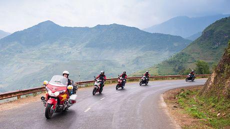 Nghe chuyen doan xe WINNER 150 di chinh phuc cuc Tay - Anh 3
