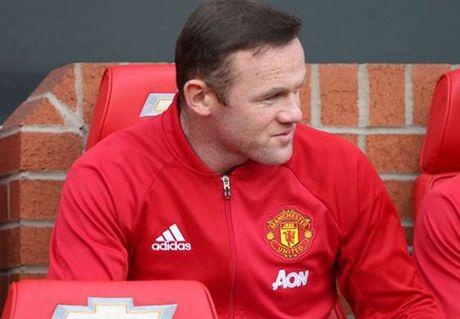 """MU: Rooney tiet lo ly do bi Mourinho cho """"ra ria"""" - Anh 1"""